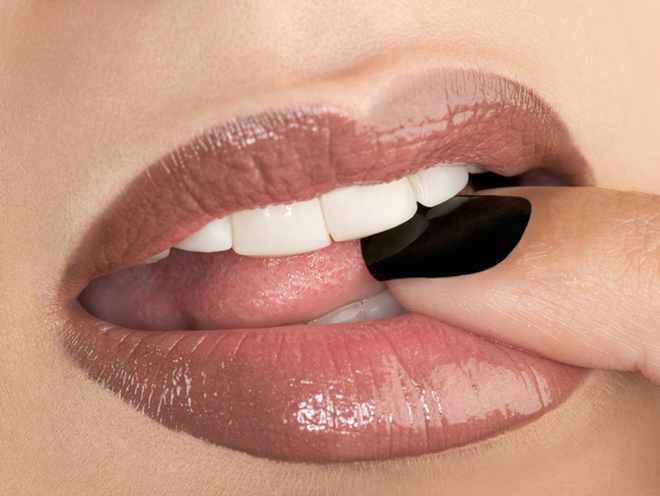 10 Makeup Habits That Are Harmful for Your Health pictures