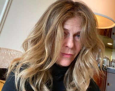 Rita Wilson's Golden Globes' Glam Squad Is a No-Show and Social Media Is Here to Support Her