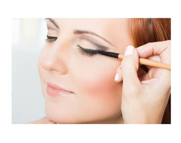 The Eyeliner Mistake You're Making That Could Damage Your ...