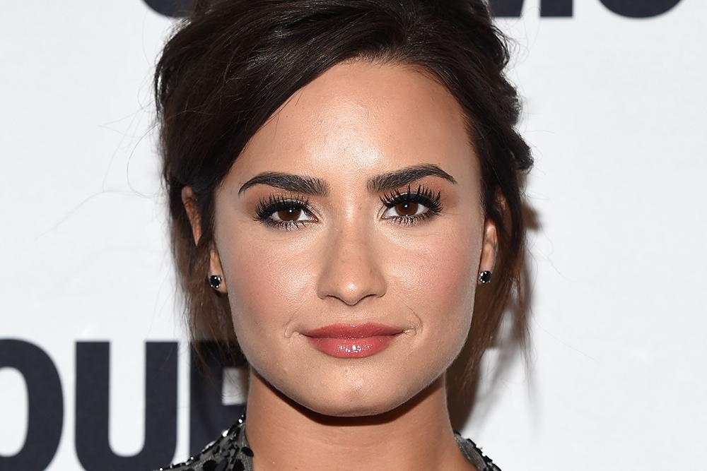 Demi Lovato Renee Rouleau Mask Antioxidants Skin Care