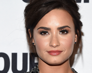 Demi Lovato's Berry Mask Gives Her Amazing Skin