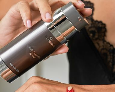 A Powerful Serum That Tackles Every Sign of Skin Aging
