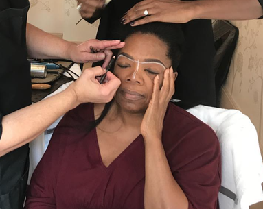 Oprah's Makeup Artist Used This Nude Liner Trick to Brighten Her Face for The Emmys