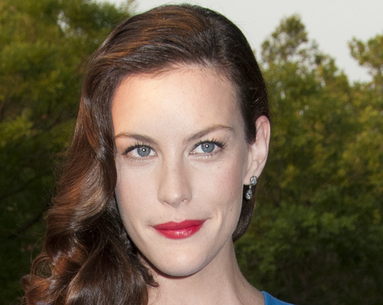 How to Detox Like Liv Tyler