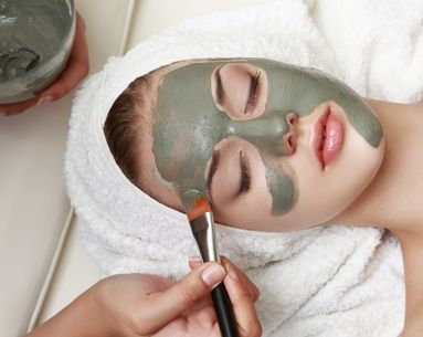 7 Thoughts Everyone Has While Getting a Facial