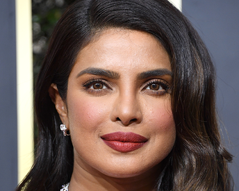 The Trick to Nailing Priyanka Chopra Jonas' Golden Globes 'Perfect Red Lip'