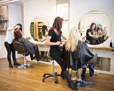 5 Things You Should Never Do at the Salon