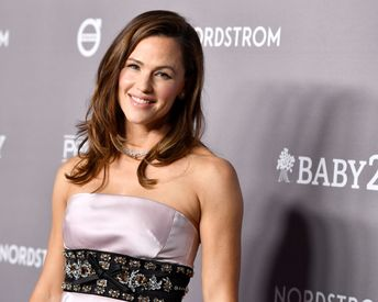Jennifer Garner Is the New Face of a High-Tech Haircare Brand