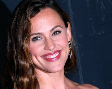 Jennifer Garner Looks Unrecognizable in This Throwback Photo