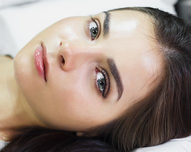 This Eyelash Extension Nightmare Will Scare You Away From a Certain Type of Salon