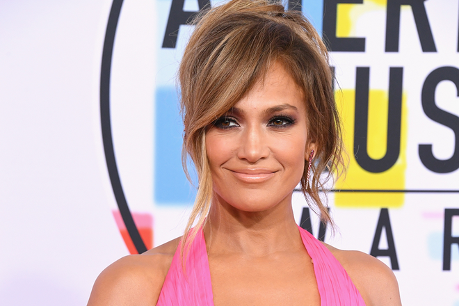 Jennifer Lopez Shows Off New Bangs On Instagram Celebrity