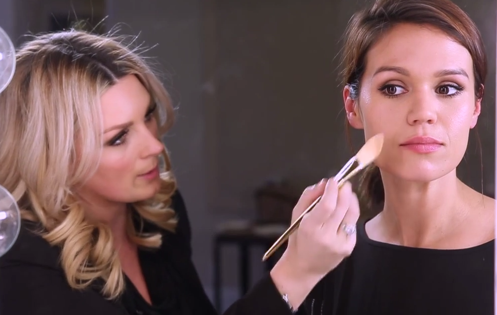 How to Contour Your Cheekbones Like a Pro
