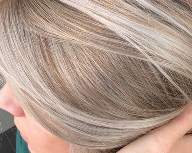 'Strandlights' Are the Natural-Looking Summer Hair Trend That Looks Good on Everyone