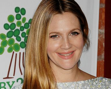 Drew Barrymore Shares The Most Star-Studded Makeup-Free Selfie Ever