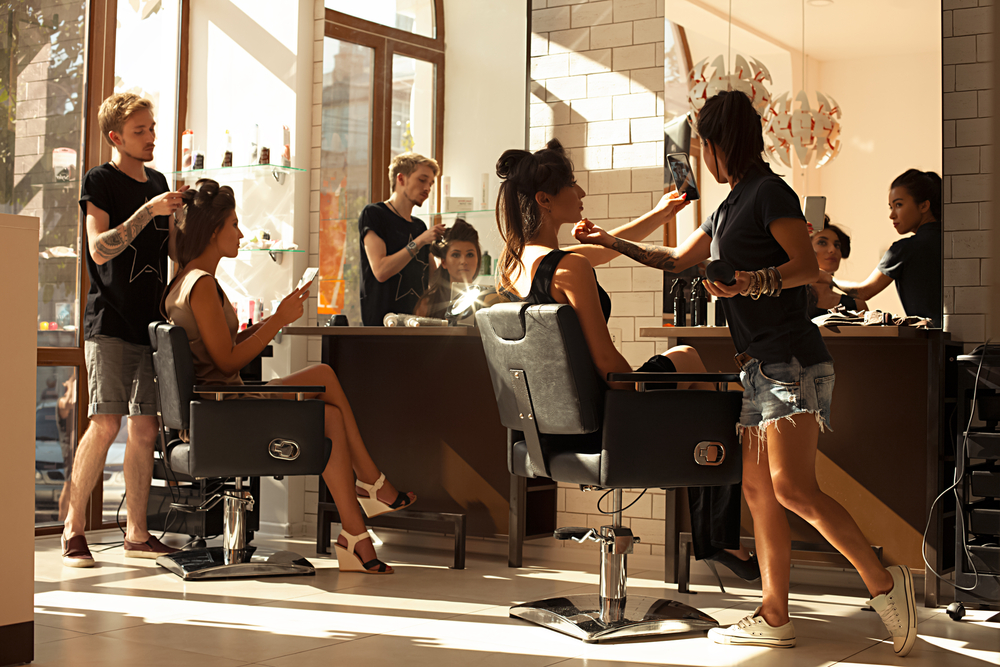 The New Salon Tipping Rules Straightening Hair Dailybeauty