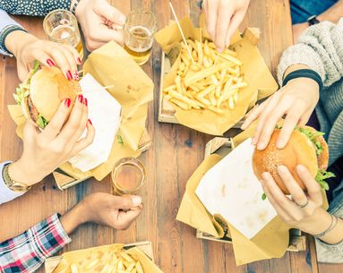Celebrity Nutritionists Rely on These 14 Rules When Eating Out, and You Should Too