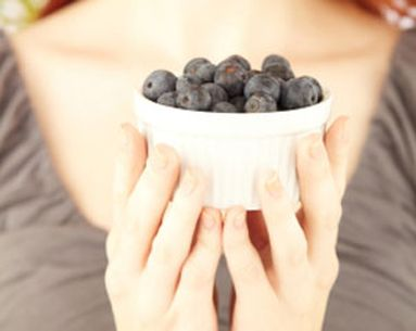 Rejuvenate Aging Hands With Blueberries
