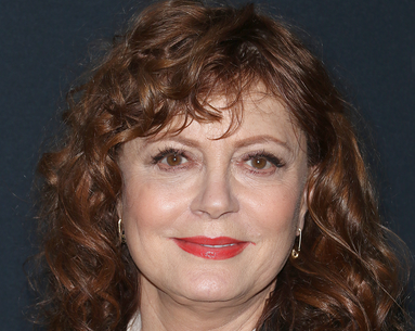 Susan Sarandon's Secret Weapon for a Bold, Coral Lip Might Already Be in Your Makeup Bag