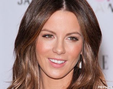 Achieve Peachy Perfection Like Kate Beckinsale
