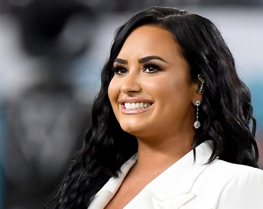 Demi Lovato Shares A Makeup-Free Selfie for the First Time in Years