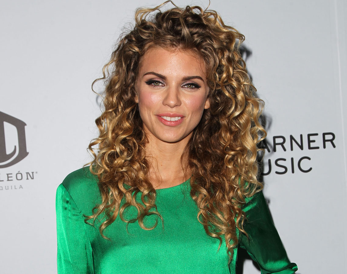 The Best 5 Hairstyles For Curly Hair