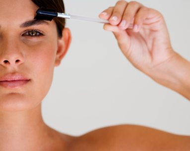 Getting A Spray Tan? Avoid These Embarassing Eyebrow Mistakes