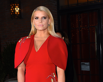 Jessica Simpson's Nutritionist Shares the Diet That Helped Her Lose 100 Pounds