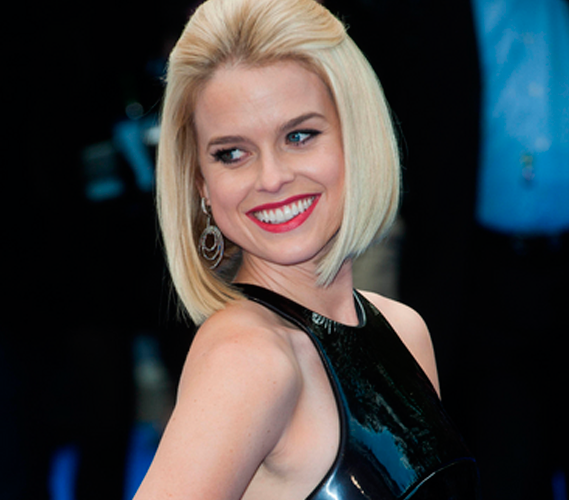 Celebs With The Whitest Teeth, Best Celebrity Teeth