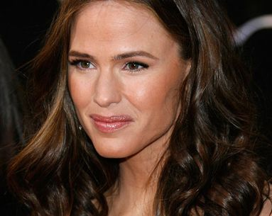 Get Jennifer Garner's Shiny Hair... In The Shower