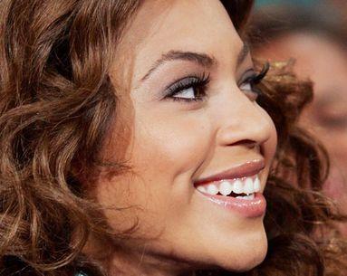 Beyoncé'S Lash Secret
