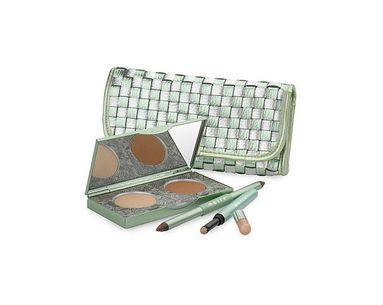 A Celeb-Worthy Eye Makeup Kit