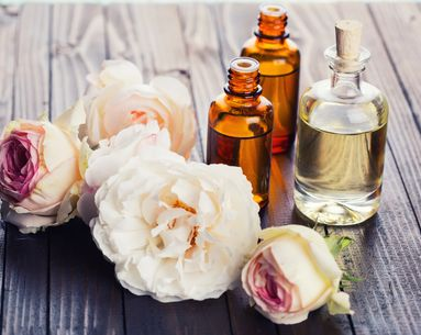 4 Essential Tips for Layering Perfume