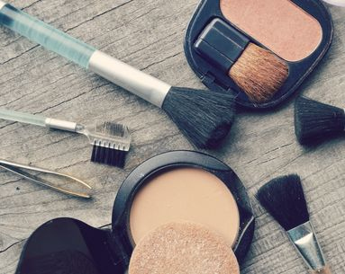 5 Easy Makeup Tricks for Oily Skin