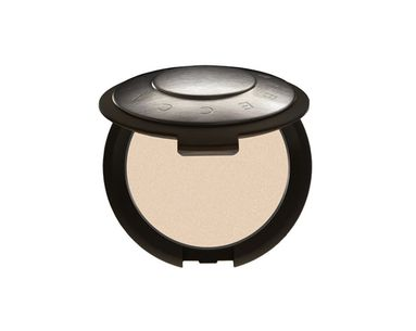 Powder Foundation With Magical Minerals
