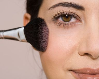 Ask An Expert: Why Blush Causes Breakouts