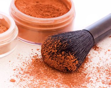 The Pros And Cons Of Mineral Makeup