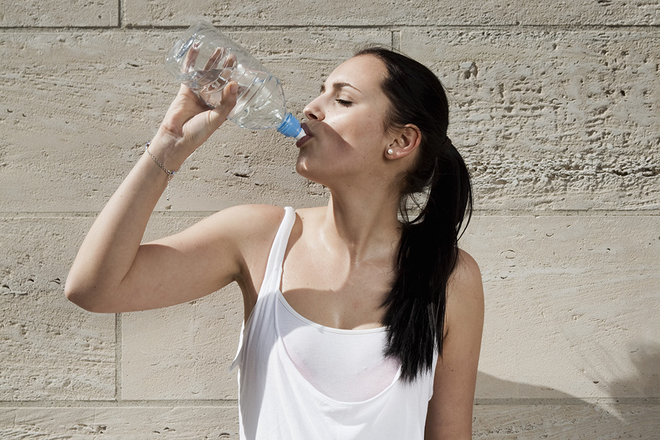 Bottled Water Brands With Highest Plastic Contamination - NewBeauty