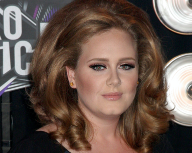 Adele Removes Her Signature Cat's-Eye, Posts Multiple Makeup-Free Selfies