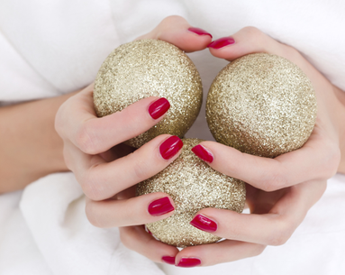 10 Holiday Nail Trends to Try Now