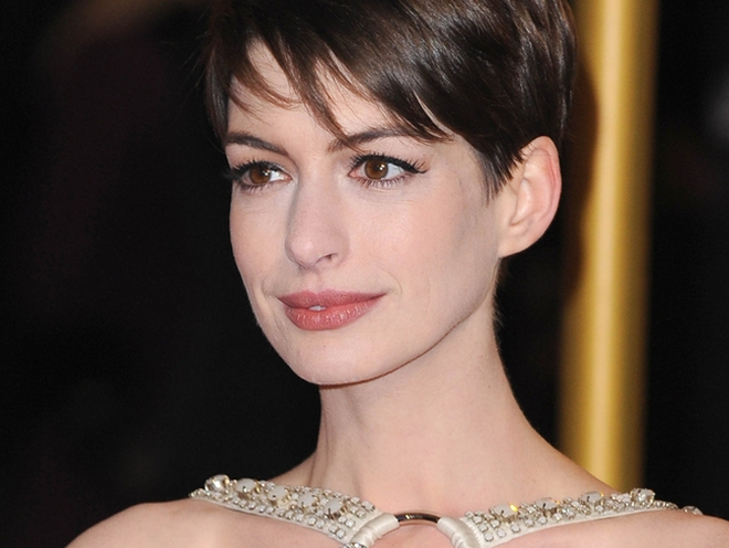 Anne Hathaways Les Mis Makeover Celebrity Makeup Dailybeauty