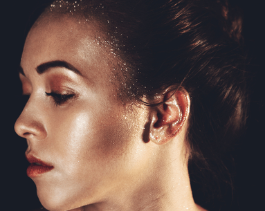 A Super Compelling Reason Why You Might Want to Stop Using Glitter Makeup