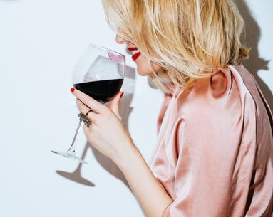 A Cosmetic Dentist's Easy (and Free!) Trick to Preventing Red Wine Teeth