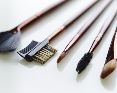 Are You Allergic to Your Makeup Brushes? And Other Wrong Moves That Ruin Everything