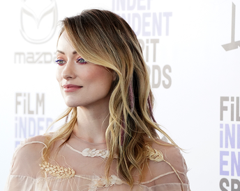 Olivia Wilde's Blue-Violet Mascara Trick Is the Secret to Her Candy-Colored Eye Look