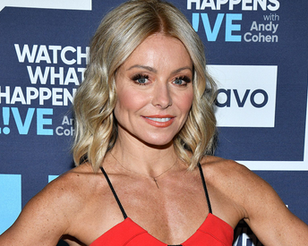Kelly Ripa Sets the Record Straight on Nose Job and Veneers Speculation