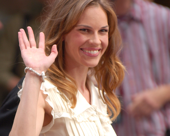 Hilary Swank's Go-To Arm Workout Will Seriously Tone Your Upper Body