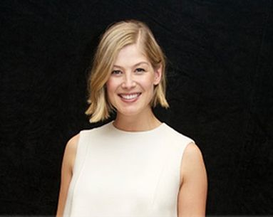 "Get the Look: Rosamund Pike From ""Gone Girl"""