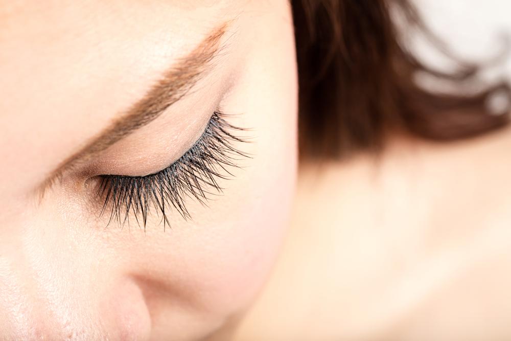 Is Laminating Your Eyelashes The New Thing To Do Sparse Eyelashes