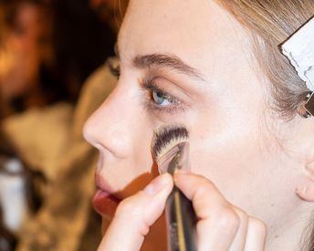 How to Choose the Right Powder, Liquid or Cream Foundation