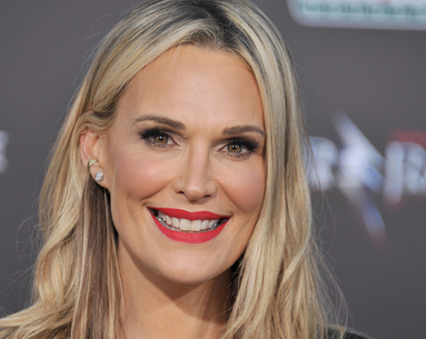 Molly Sims Reveals the 2-Second Trick She Calls Her Best Anti-Aging Tip